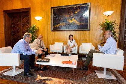 El alcalde de Zaragoza recibe a la rectora de la Universidad San Jorge