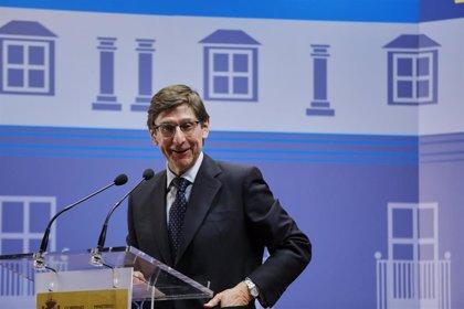 """Goirigolzarri (Bankia) defiende medidas de recuperación por sectores y territorios frente a """"recetas generales"""""""
