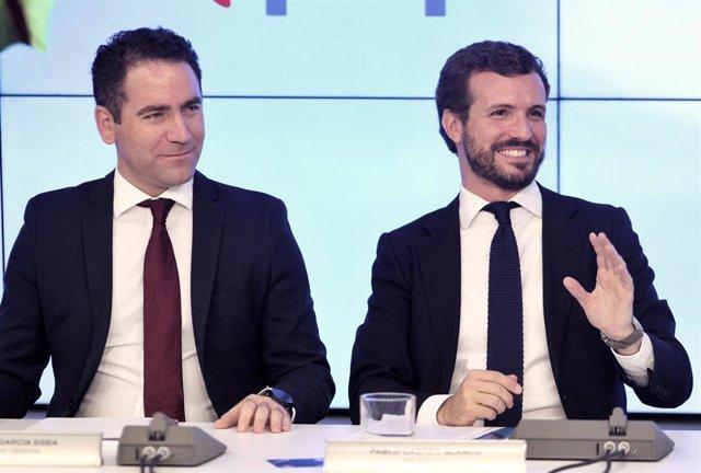 El secretario general del PP, Teodoro García Egea y el presidente del PP, Pablo Casado, durante una reunión del Comité Ejecutivo Nacional del partido tras conocerse la previsión de elecciones para el 10-N, en Madrid (España), a 23 de septiembre de 2019.