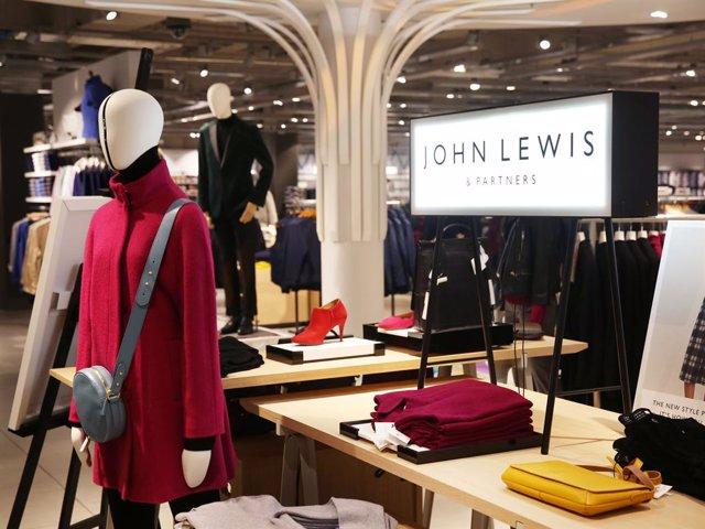 R.Unido.- La firma británica John Lewis no reabrirá ocho tiendas y pone en pelig