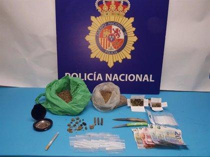 Detenidos dos hermanos en Puerto Real (Cádiz) por venta de hachís y marihuana en su vivienda