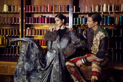 El proyecto europeo para la conservación y difusión de la seda Silknow presenta su telar virtual a diseñadores