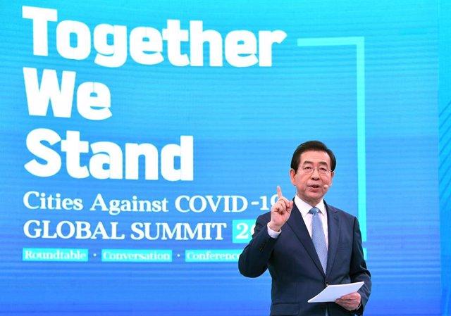 AMP.- Corea.- Encontrado sin vida el alcalde de Seúl tras haber sido dado por de