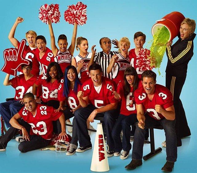 Cartel promocional de la serie Glee