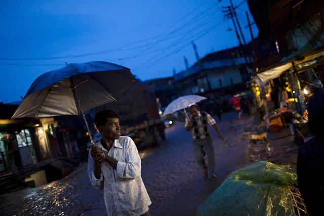 Nepal.- Al menos dos muertos y 18 desaparecidos por las fuertes inundaciones reg