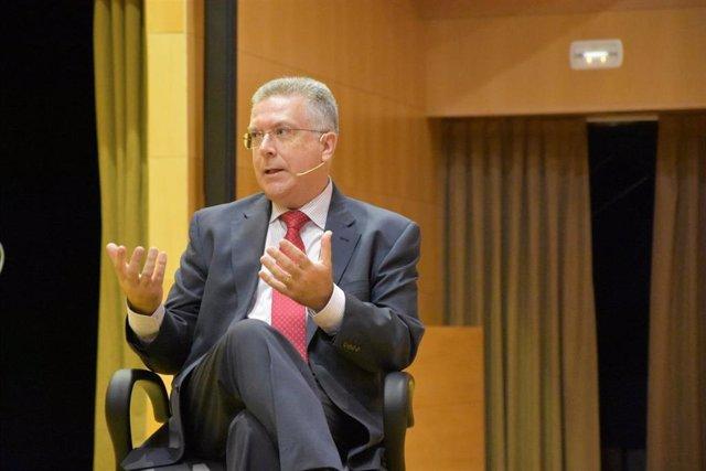 """Profesor de CEU Andalucía aboga por """"crear y hacer crecer a las empresas"""" para """"mantener y generar empleo"""""""