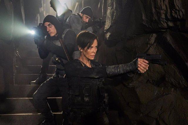 ¿A Qué Hora Se Estrena La Vieja Guardia De Charlize Theron En Netflix?