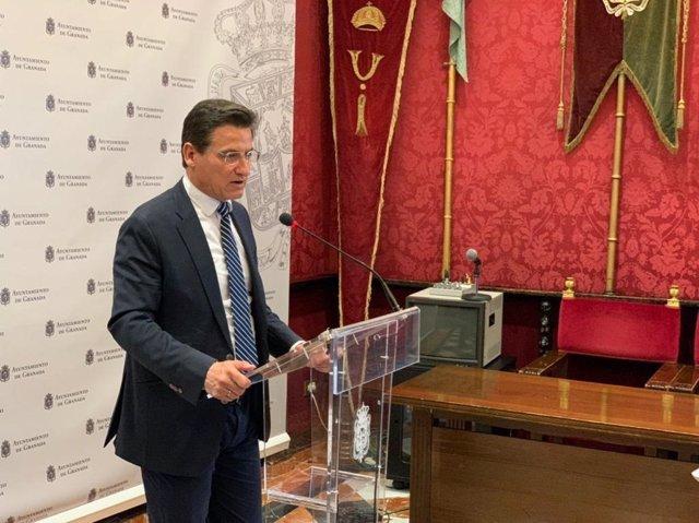 El alcalde de Granada, Luis Salvador