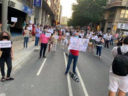 200 personas protestan en Lleida por el confinamiento del Segrià