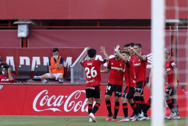 Fútbol/Primera.- (Crónica) El Mallorca sigue creyendo en la salvación y el Legan