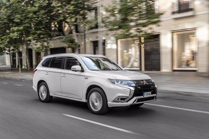 Mitsubishi acumula más de 250.000 ventas del Outlander PHEV, que se puede acoger al Moves y al Renove