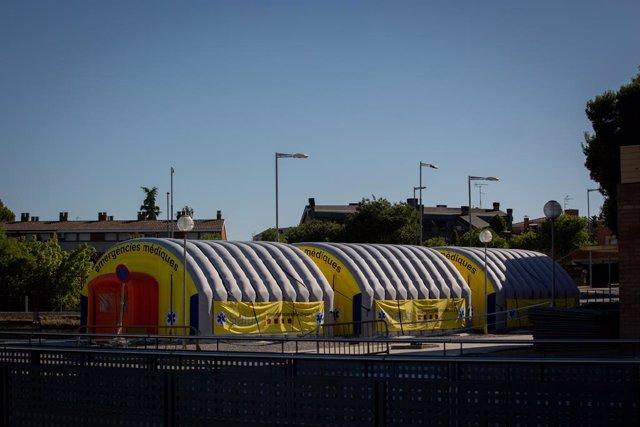 Hospital de campanya per atendre malalts de coronavirus al costat de l'Hospital Universitari Arnau de Vilanova de Lleida, capital de la comarca del Segrià. Lleida, Catalunya (Espanya), 6 de juliol del 2020.