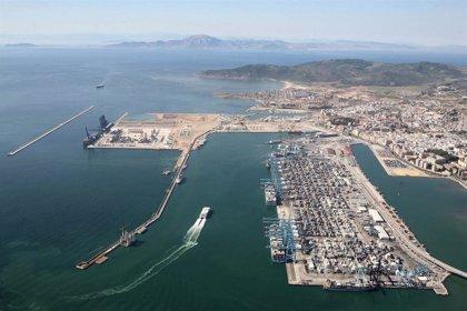 Atracado en el puerto de Algeciras (Cádiz) un nuevo barco con sospechosos de Covid-19