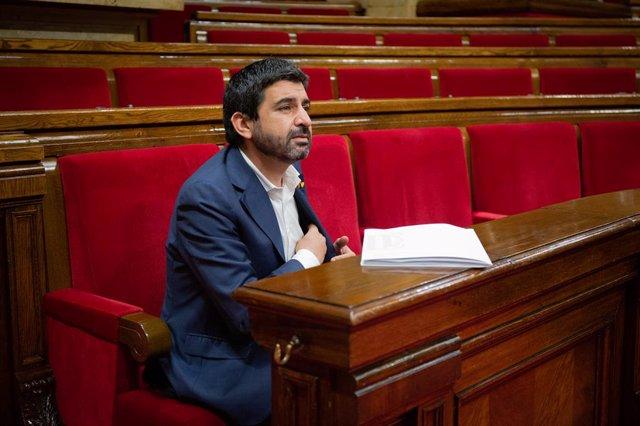 El conseller de Treball, Afers Socials i Famílies, Chakir el Homrani, al Parlament durant el ple sobre la gestió de les residències durant la pandèmia de la covid-19. Barcelona, Catalunya (Espanya), 7 de juliol del 2020.