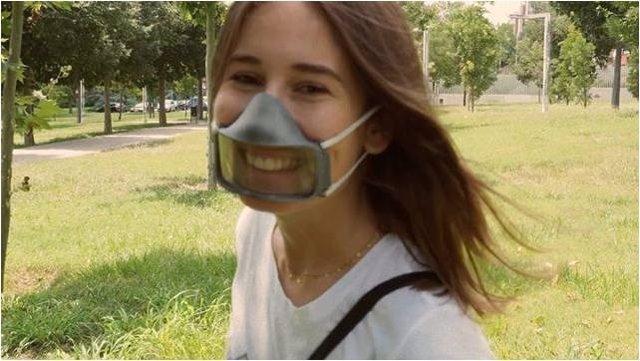 La mascarilla Maskin permite establecer un contacto más personal entre las personas, por ejemplo si tienen problemas auditivos y precisan leer los labios para comunicarse.