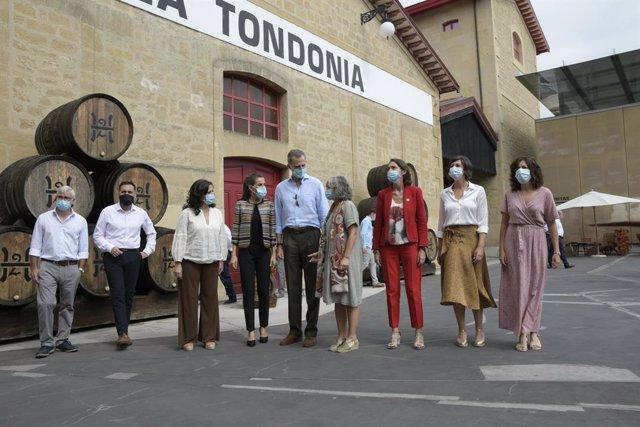VÍDEO: El mundo del vino centra la primera parte de la visita de los Reyes a La