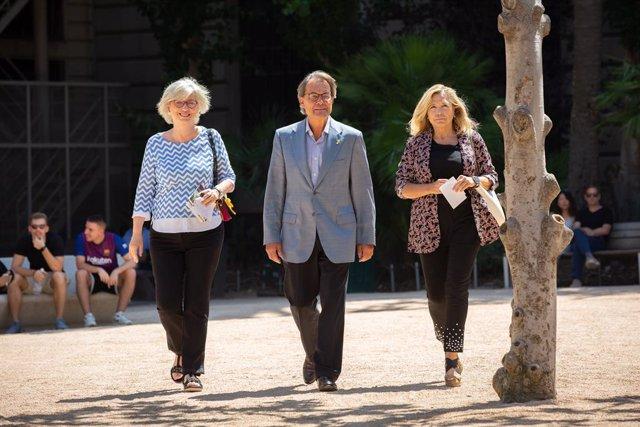 (E-D) L'exconsellera de la Generalitat, Irene Rigau; l'expresident de la Generalitat, Artur Mas; i l'exvicepresidenta de la Generalitat, Joana Ortega, al Tribunal de Comptes.
