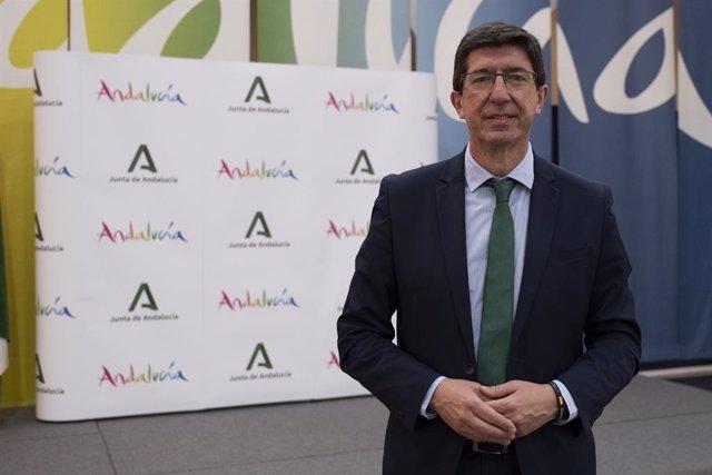 Np Y Foto (Turismo Invierte Casi 845.000 Euros En La Digitalización De Las Empresas Del Sector En Cádiz)