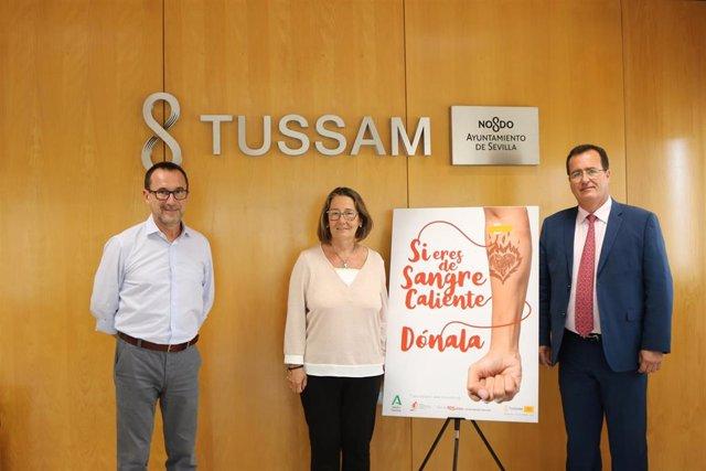 Firma del convenio entre el Centro de Transfusión Tejidos y Células de Sevilla y Tussam