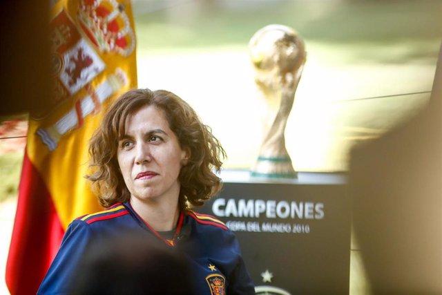 La presidenta del Consejo Superior de Deportes (CSD), Irene Lozano, en el acto de celebración en el Consejo del décimo aniversario del triunfo en el Mundial de Sudáfrica