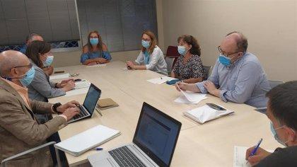 Salud mantiene una reunión con los trabajadores de Urgencias