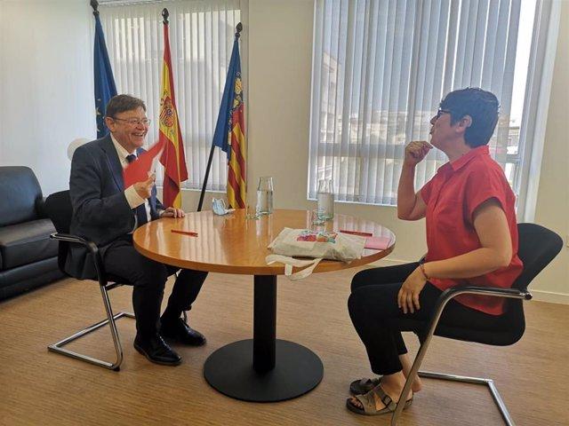 El secretario general del PSPV-PSOE y president de la Generalitat, Ximo Puig, y la coordinadora general autonómica de Podem, Pilar Lima,