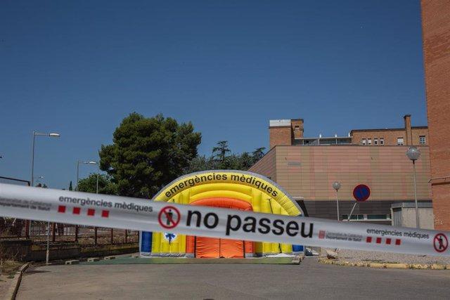 Hospital de campaña para atender a enfermos de coronavirus junto al Hospital Universitario Arnau de Vilanova de Lleida, capital de la comarca del Segrià.