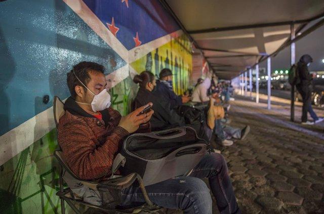 Coronavirus.- México avisa de que el cierre de la frontera con EEUU podría exten