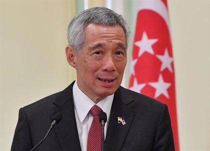 Cierran los colegios electorales en Singapur en medio de las críticas por la extensión de la votación