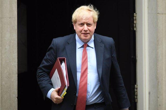 """Coronavirus.-Johnson pide a los británicos volver al trabajo """"si pueden"""" y reivi"""