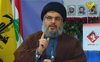 Líbano.- Decenas de seguidores de Hezbolá protestan cerca de la Embajada de EEUU en Beirut
