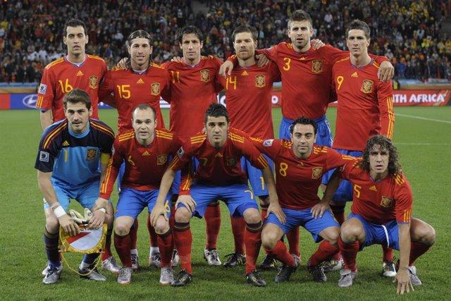 La selección española de fútbol posa antes de un partido del Mundial de Sudáfrica