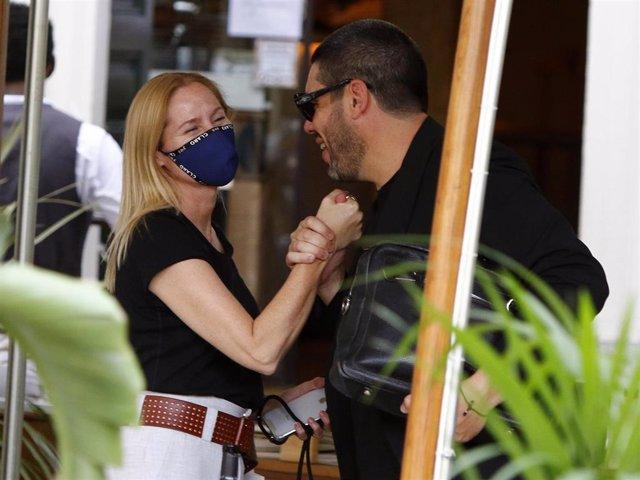 Fiona Ferrer queda con un amigo en la capital madrileña