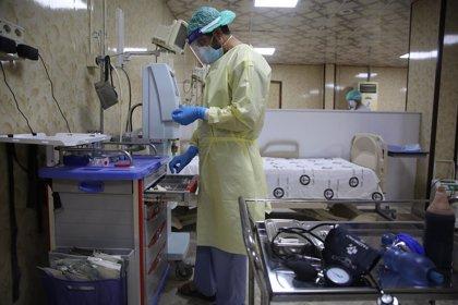 Médicos de Idlib denuncian falta de medios tras la aparición del primer contagio en el enclave rebelde