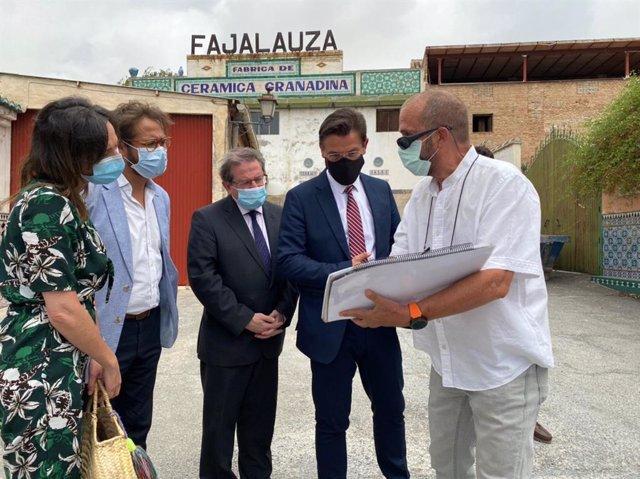 Visita de cargos públicos del Ayuntamiento y la Junta a Fajalauza
