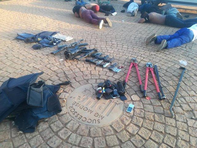 Sudáfrica.- Cinco muertos en un ataque con toma de rehenes contra una iglesia en
