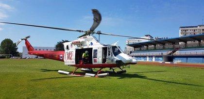Rescatan en helicóptero a un padre y una hija tras quedar enriscados en el pico Candina