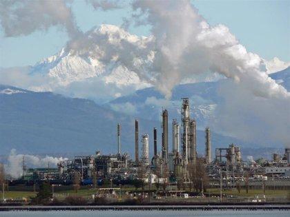 """Ecuador autoriza la participación """"excepcional"""" del sector privado en una de sus refinerías más importantes"""