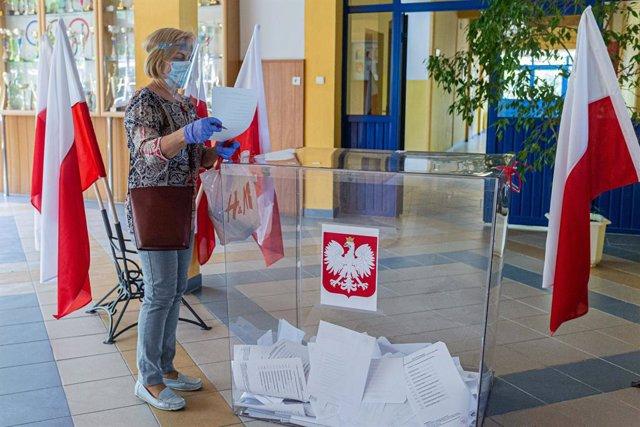 Polonia.- Los polacos deciden en las elecciones presidenciales de este domingo s