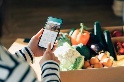 Minsait lanza la primera solución que lleva la experiencia de compra en tienda a la casa del cliente