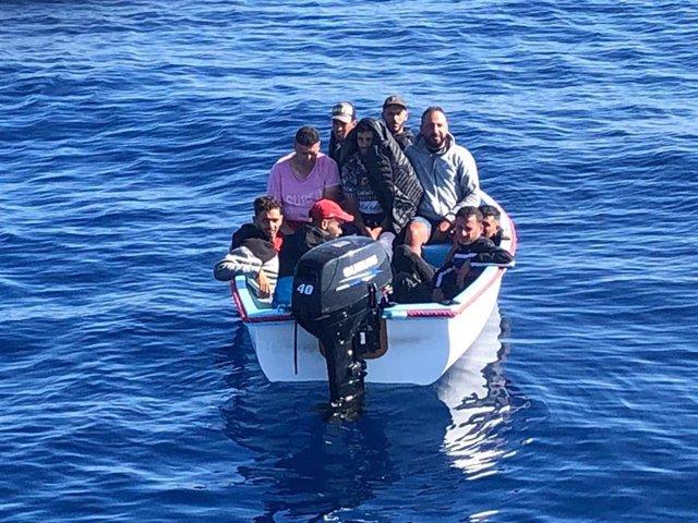 Imagen de una patera llegada a las costas españolas
