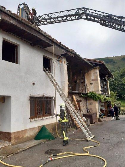 Extinguido un incendio en una vivienda de Los Tojos tras dejar daños materiales pero sin víctimas