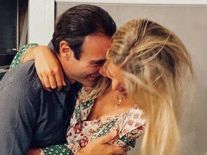 Ana Soria hace pública su primera fotografía con Enrique Ponce