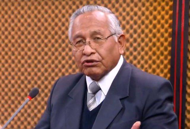 """Bolivia.- El ministro de Educación de Áñez denuncia que el MAS enseñaba """"sociali"""