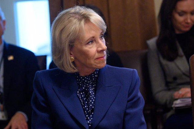 Coronavirus.- La secretaria de Educación de EEUU minimiza el riesgo de la reaper