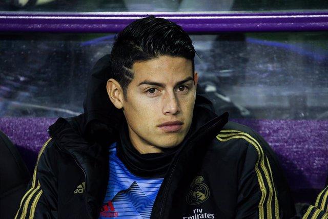 Fútbol.- Zidane deja fuera a James ante el Granada