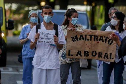 Unos 4.600 médicos residentes están llamados a la huelga indefinida por un convenio colectivo desde este lunes