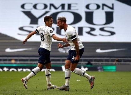 El Tottenham adelanta al Arsenal y el Leicester descuida la zona Champions