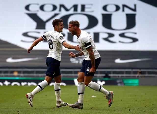 Fútbol/Premier.- (Crónica) El Tottenham adelanta al Arsenal y el Leicester descu