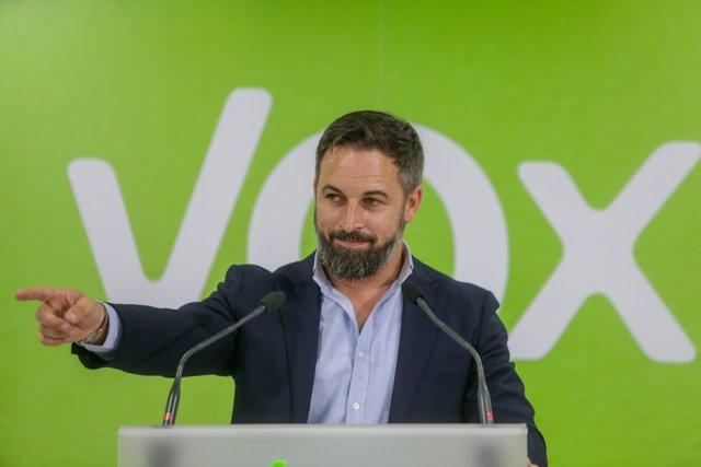 El presidente de Vox, Santiago Abascal, valora los resultados obtenidos por su formación en los comicios vascos y gallegos durante la noche electoral del 12J en la sede del partido, en Madrid (España), a 12 de julio de 2020.